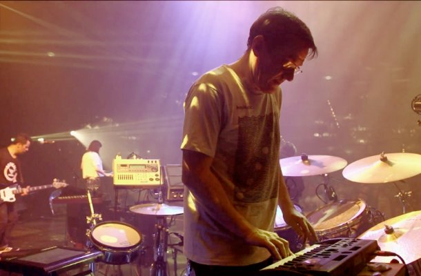 electronic-beats-presents-new-order-live-in-berlin_video_2012-1