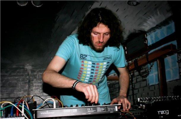 Banyek-Electronic-Beats