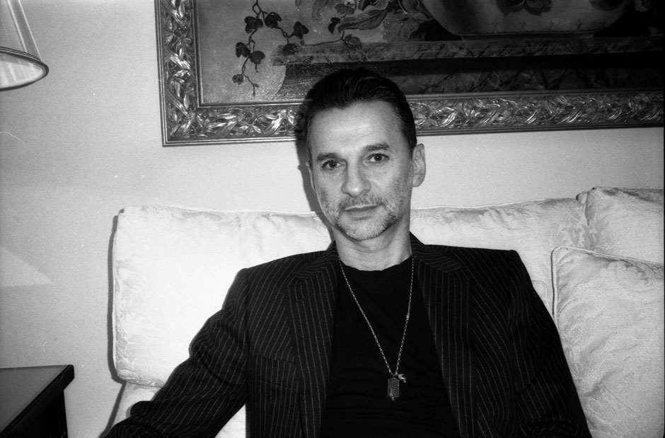 dave-gahan-electronic-beats-luci-lux