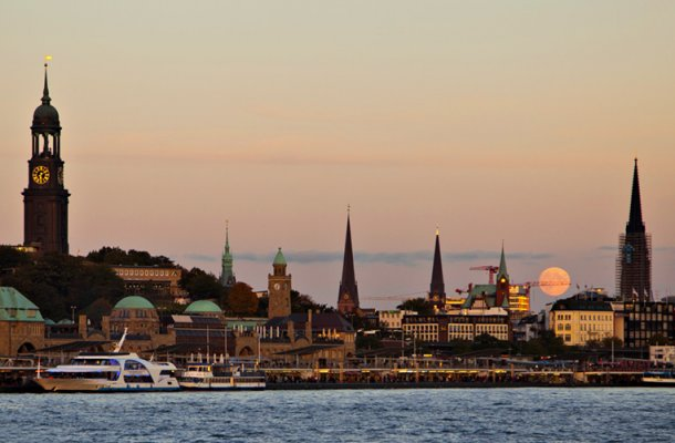 Electronic_Beats_Magazine_Hamburg_Skyline