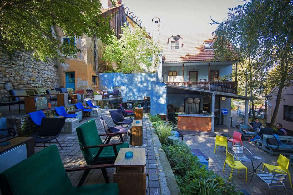 Zagreb, 23.10.2013 - Renato Huljev, koj je uredio kafic Melin u Tkalcicevoj ulici