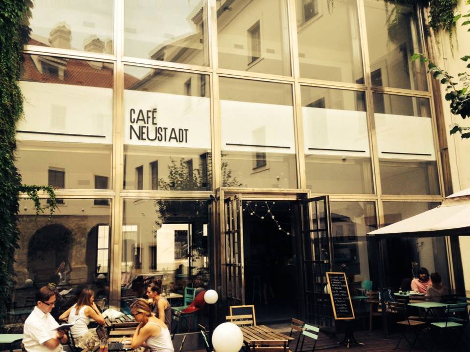 cafe_neustadt_ElectronicBeats_940