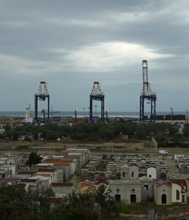 Hafen von GIOIA TAURO in Italien.