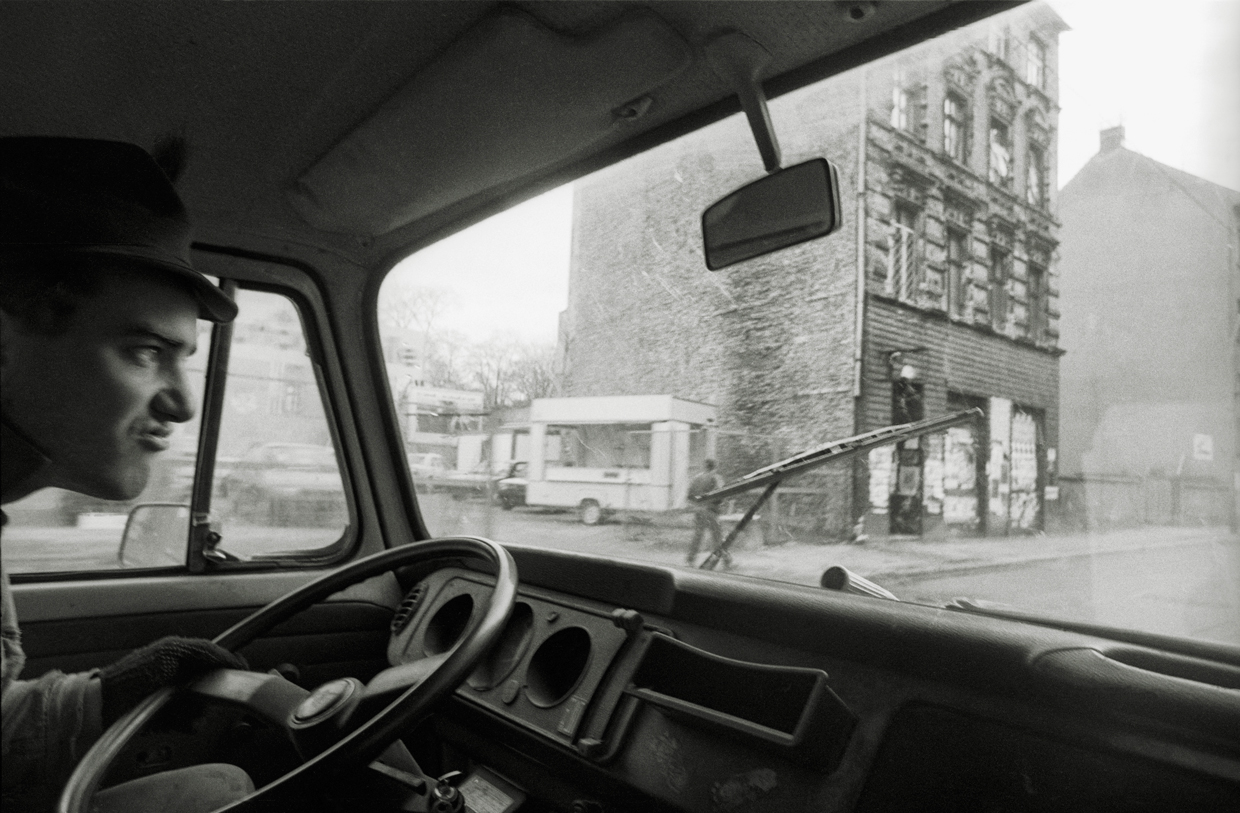 Driving past squat and club I.M. Eimer, Rosenthaler Straße 6, Berlin-Mitte. Photo by Ben De Biel.