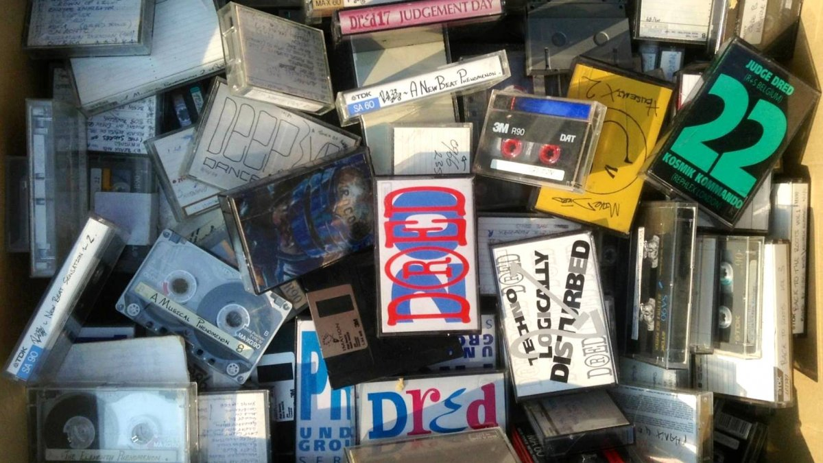 Download 28 rare mixtapes by an acid house legend for Acid house music 1988