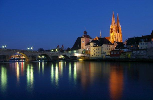 Regensburg-steinerne-Bruecke