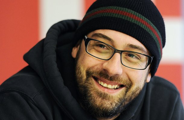 APA5620964-2 - 20102011 - WIEN - …STERREICH: ZU APA-TEXT KI - Der Berliner Rapper Sido wŠhrend eines Round-Table-Interviews am Donnerstag, 20. Oktober 2011, im ORF-Zentrum in Wien. APA-FOTO: ANDREAS PESSENLEHNER
