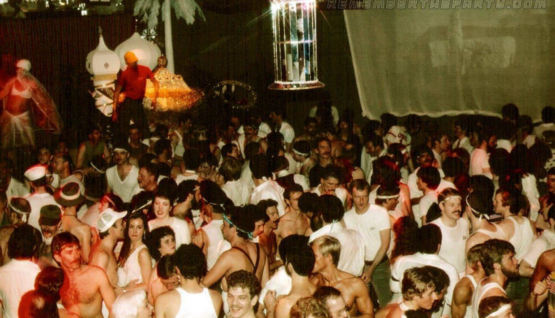 trocadero-white-party