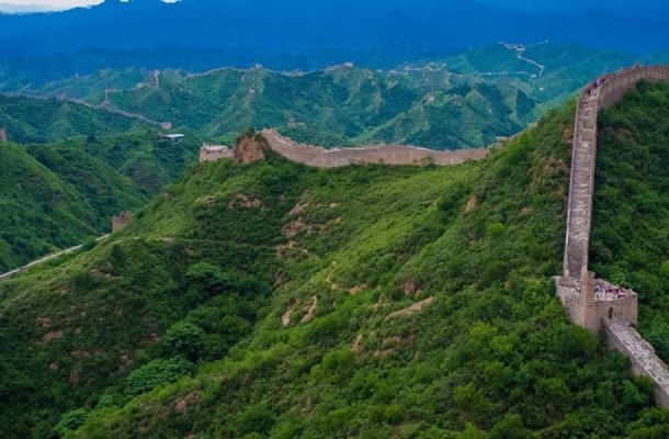 The_Great_Wall_of_China_at_Jinshanling-1400x600