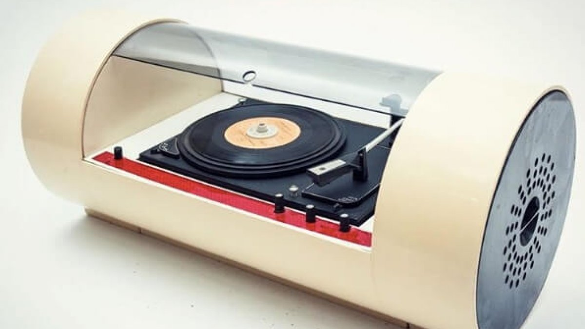 These retro turntables are masterpieces of space age for Space age design