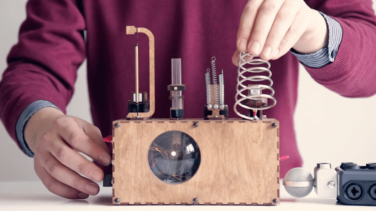 This diy beat machine sounds like a tr 808 telekom for Diy tr