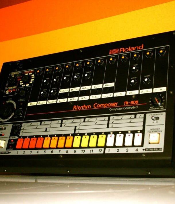 This Video Shows How Roland's TR-808 Drum Machine Revolutionized Dance Music