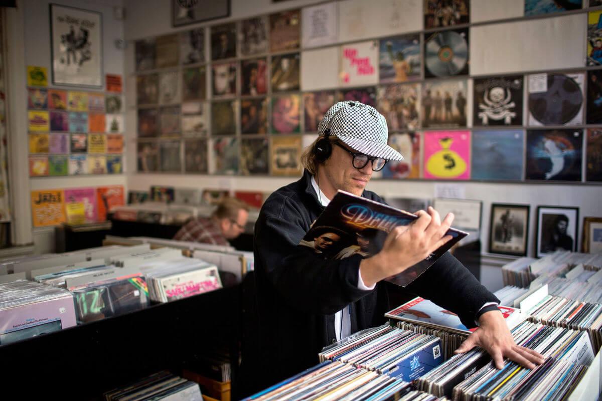 Germans Are Buying 40% More Vinyl Than Last Year – Telekom ...