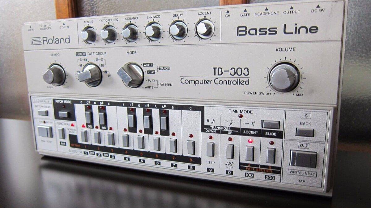 Use this browser based tb 303 to make banging acid house for Acid house tracks