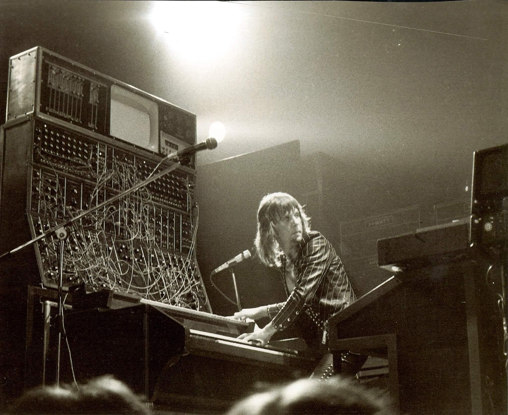 Modular Synthesizer Concert : this modular synth beast is definitely worth 150 000 telekom electronic beats ~ Vivirlamusica.com Haus und Dekorationen