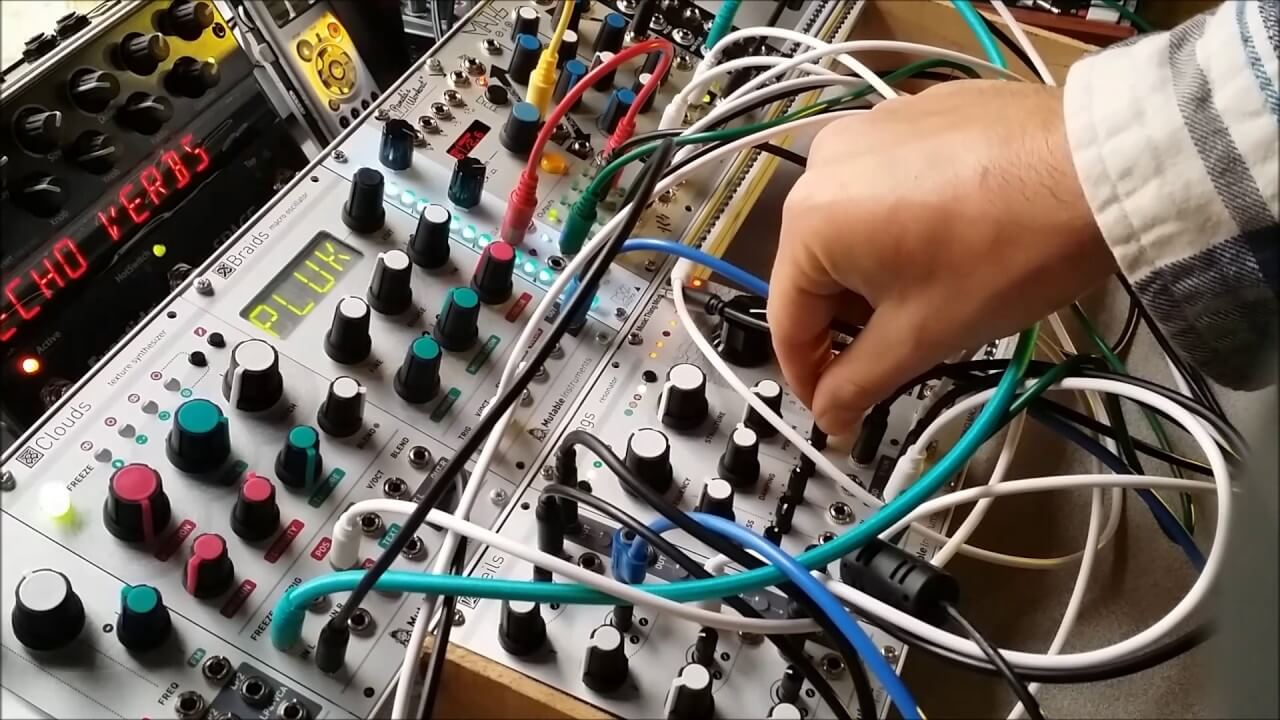 bliss out to this hypnotic ambient modular synth jam telekom electronic beats. Black Bedroom Furniture Sets. Home Design Ideas