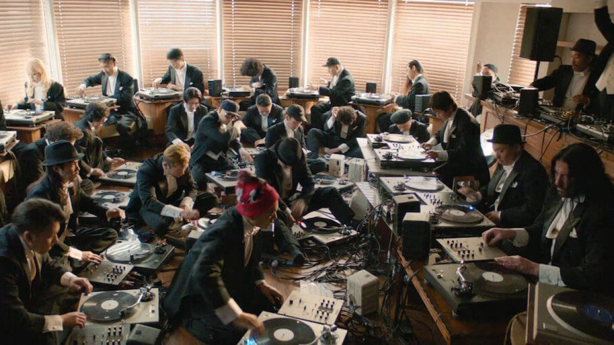 Watch The World S First Turntable Orchestra Reconstruct