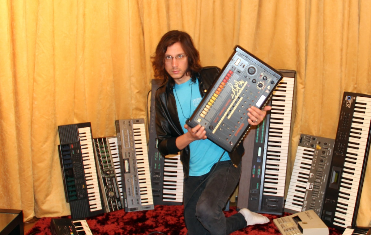 legowelt synth reviews