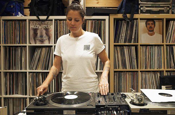 Cinthie Berlin Techno vinyl