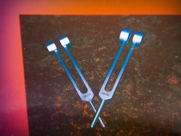 xosar-tuning-forks-sound-healing