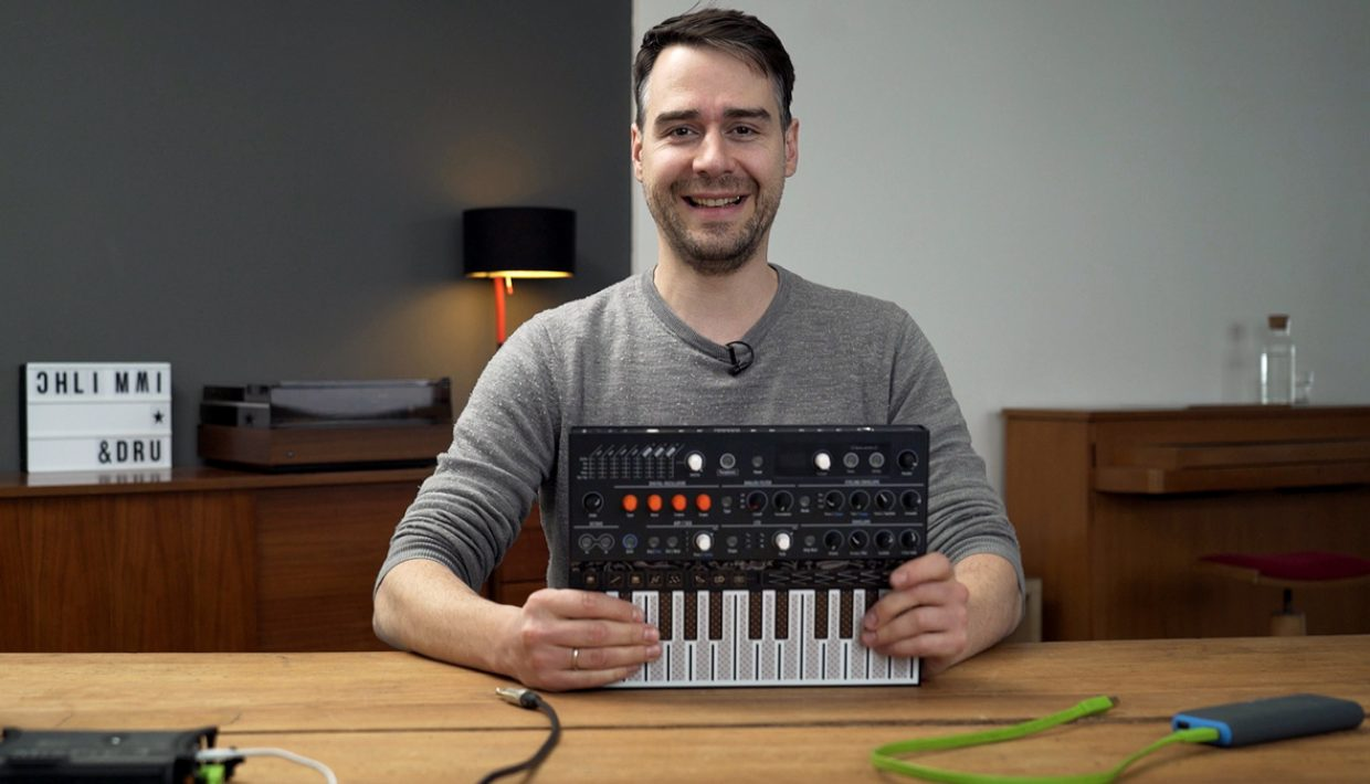 Stimming reviews the Arturia Microfreak, Videostill EB.TV
