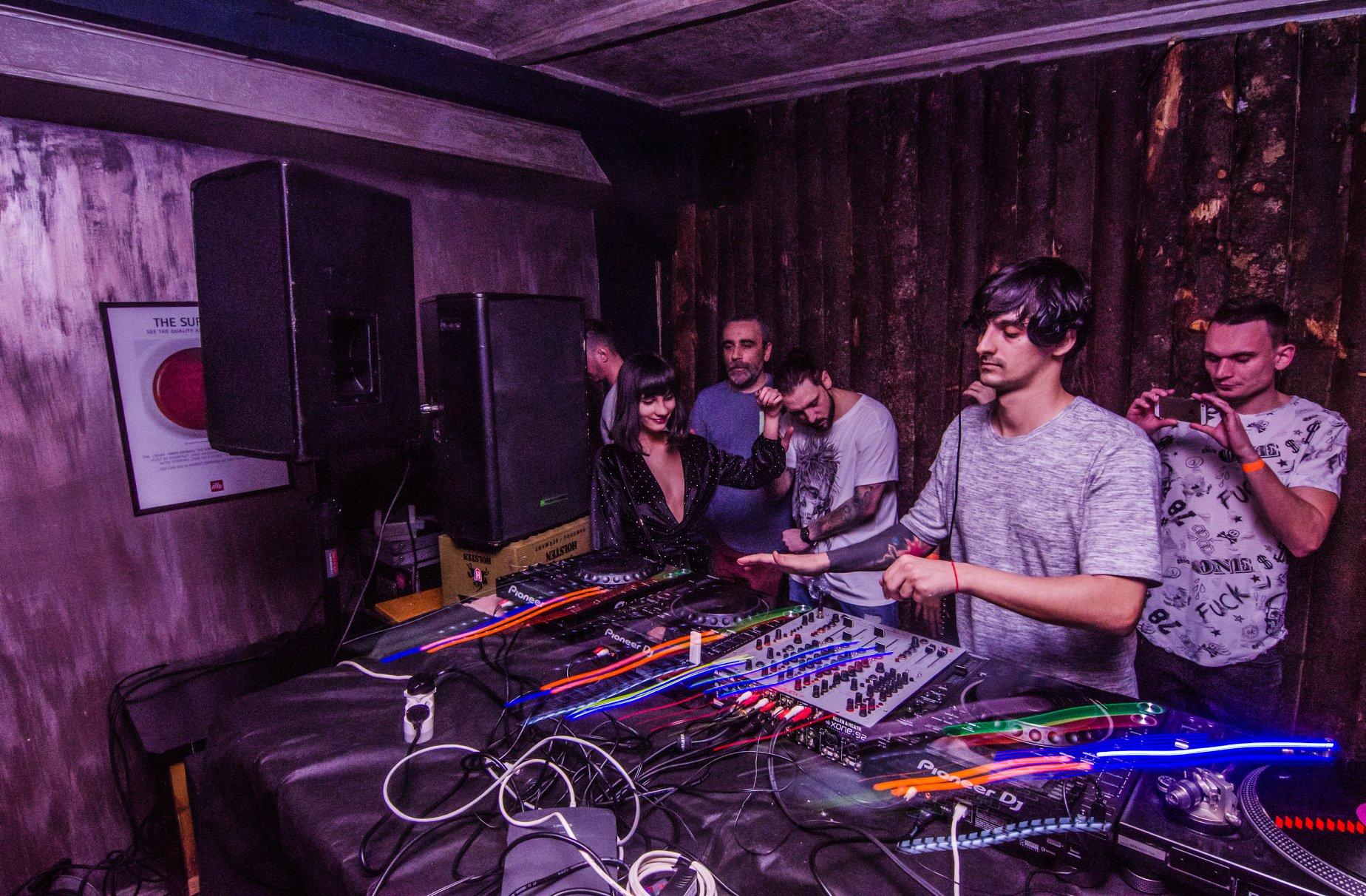 cluburi muzică electronică