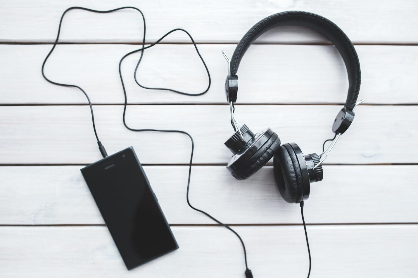 cum să îți vinzi muzica online