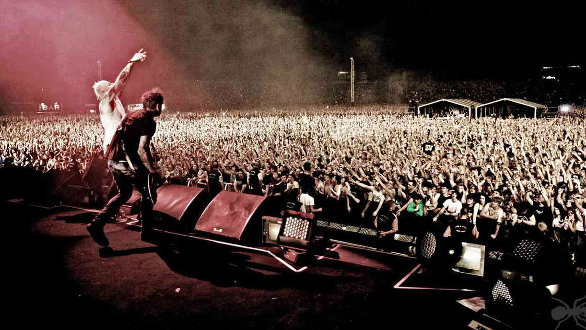 Vezi acest video cu primul concert The Prodigy live în România, din 1995 © the Prodigy.com