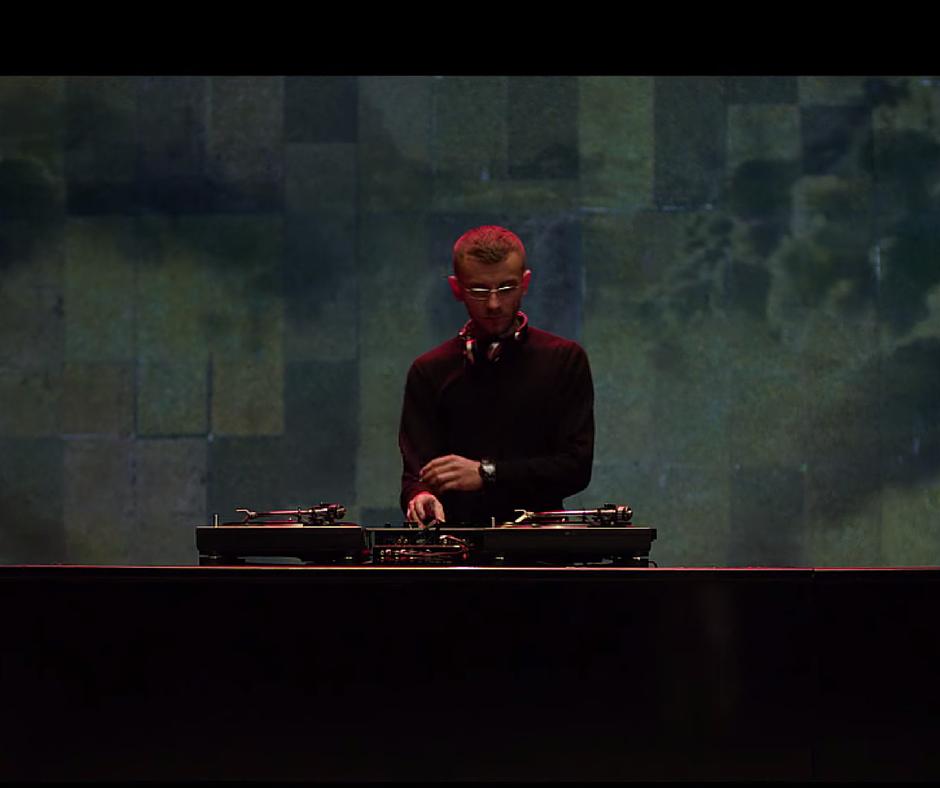 Un salt înapoi în timp cu DJ Undoo: șapte albume hip hop românești din anii 90