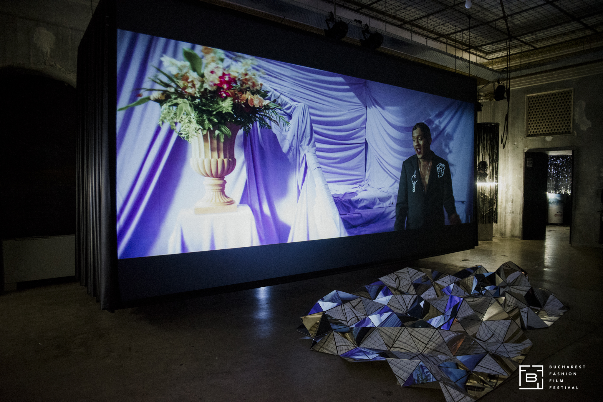 "Expoziție multimedia ""A Fashion Film Lexicon"". Foto: Didi Elena"