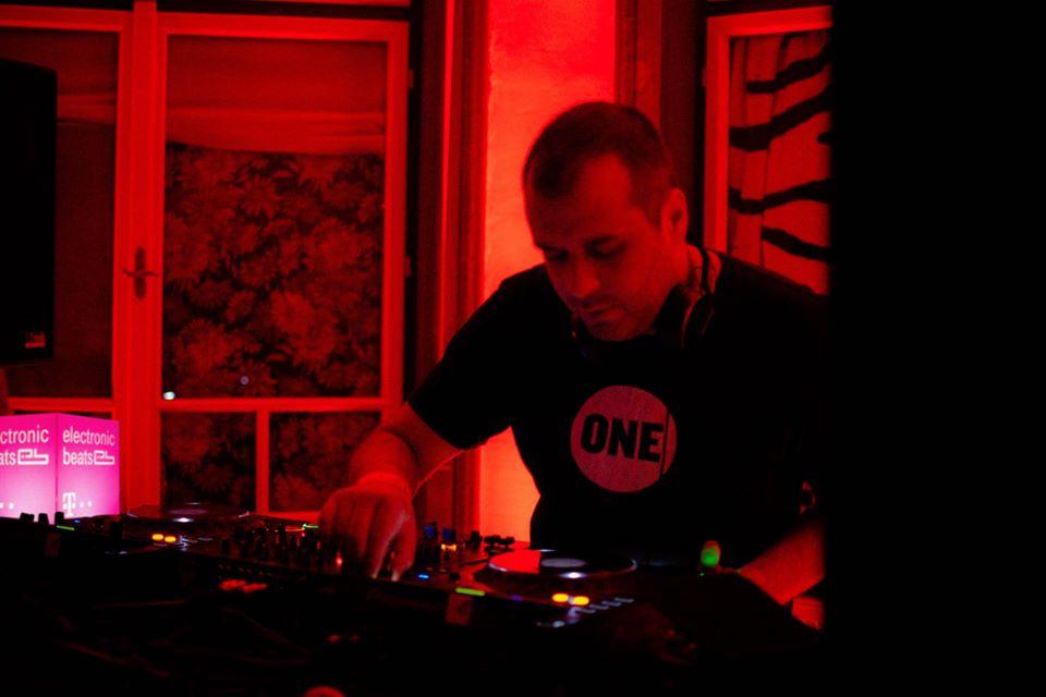 33.10.3402 @ Telekom Electronic Beats Clubnight - Timișoara