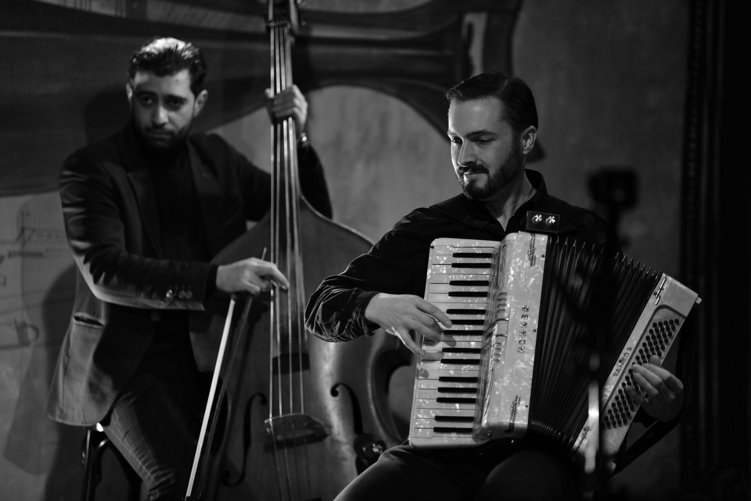 Shaun Williams și Cristian Mirea. Foto: Ștefan Marinescu
